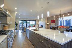 Sleek modern kitchen design with a kitchen peninsula