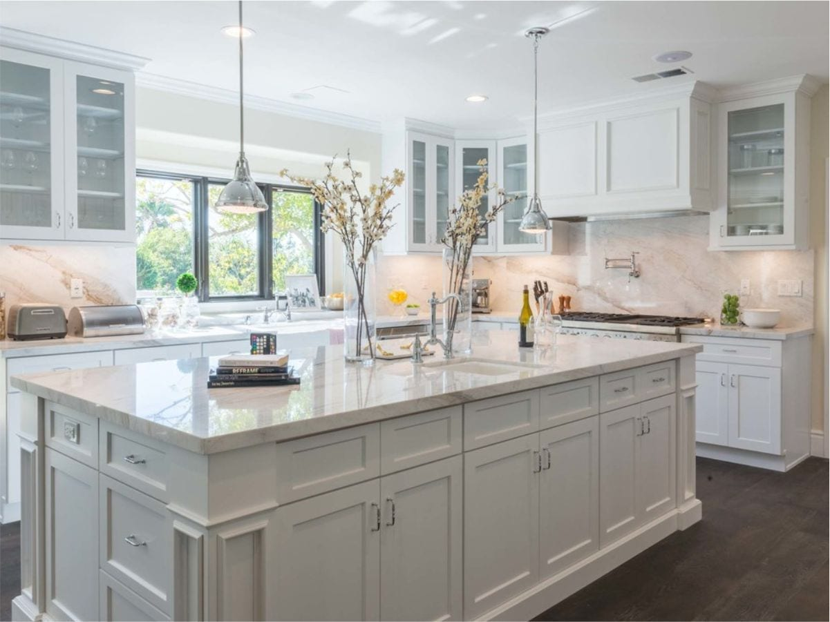 Supreme International USA Shaker White Kitchen Cabinets in Tampa & Orlando with lowest price guarantee